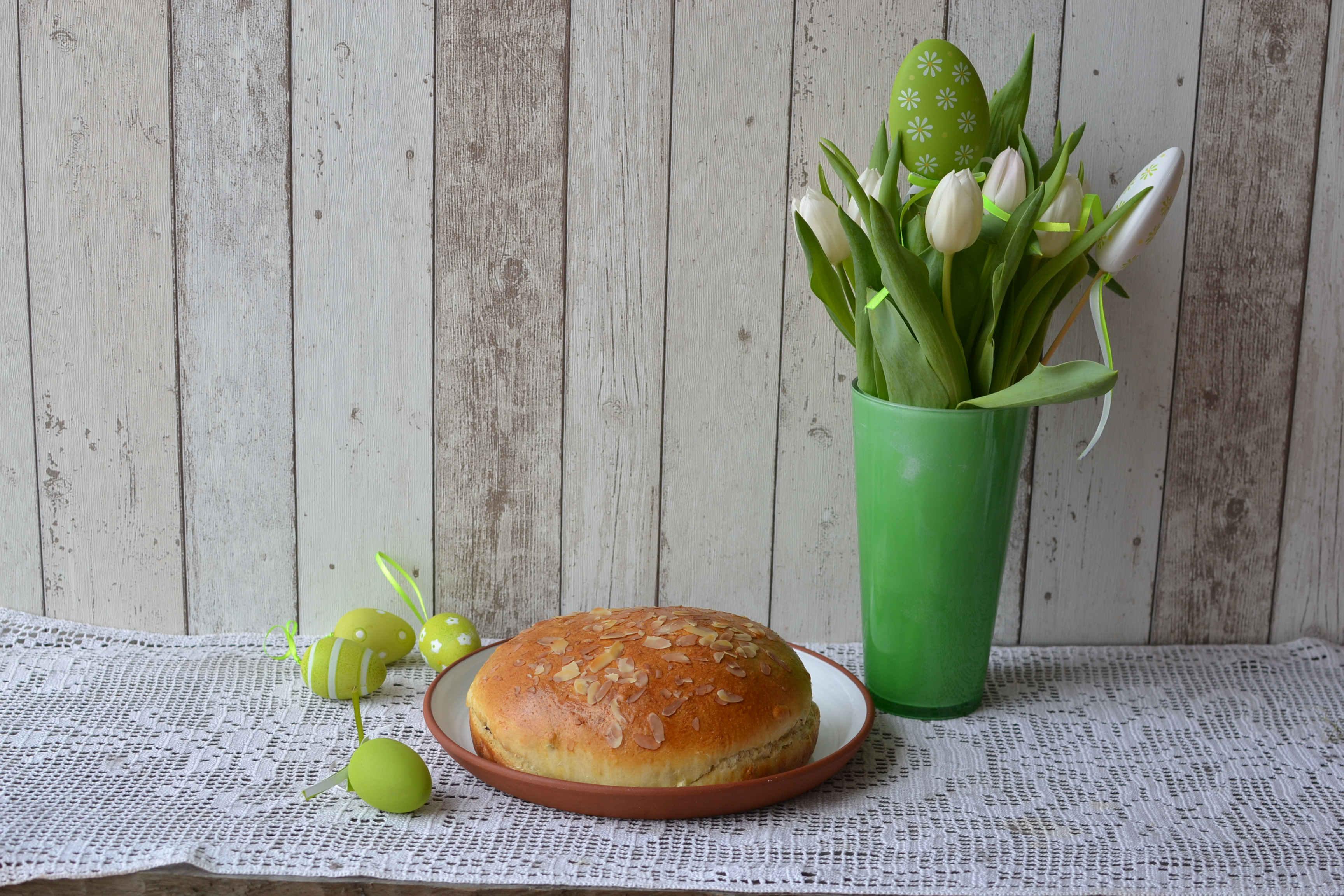 Připravte se letos na Velikonoce zdravěji. Upečte si špaldový velikonoční mazanec v inovovaných troubách MORA.